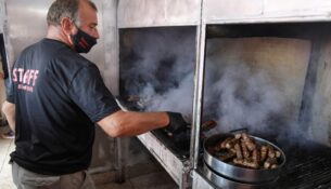grilled-foods-reuters-250621-01