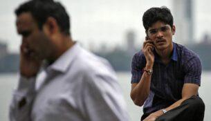 phone-talk-reuters-100721-01